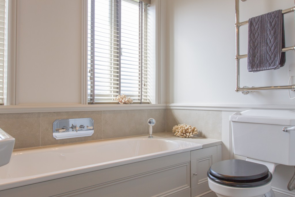 Traditional Bathroom Aquila Property Group Aquila Property