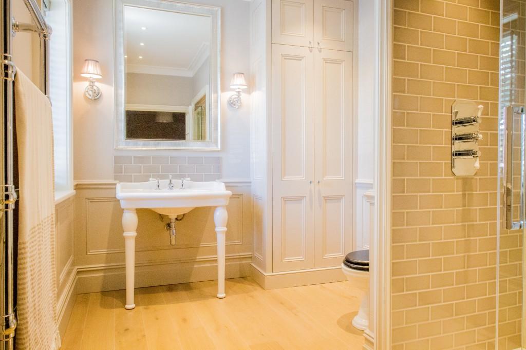 Classic shower room
